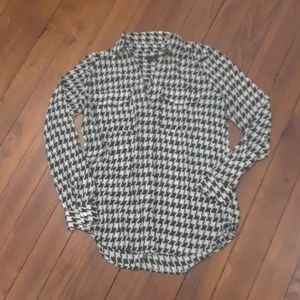 NWOT Ann Taylor Houndstooth Blouse Size XS